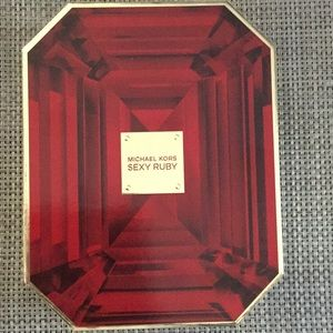 Michael Kors sexy ruby gift set